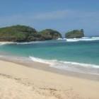 Lokasi dan Keindahan Pantai di Pacitan