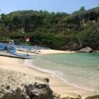 Keindahan Pantai Ngrenehan